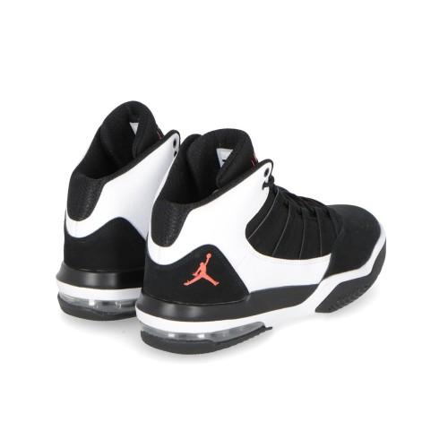 cfa4b3cd553c9 Nike Scarpe Basket Ragazzi - Nike Jordan Max Aura (GS) AQ9214-101